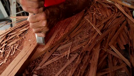 Tarot-root-is-made-by-hand-in-Hawaii-3