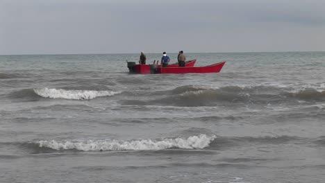 Fischer-Auf-Motorbooten-Vor-Der-Iranischen-Küste