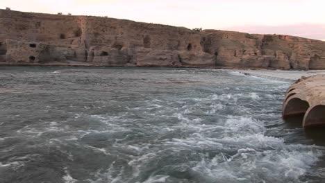 Ein-Bogendamm-Im-Iran