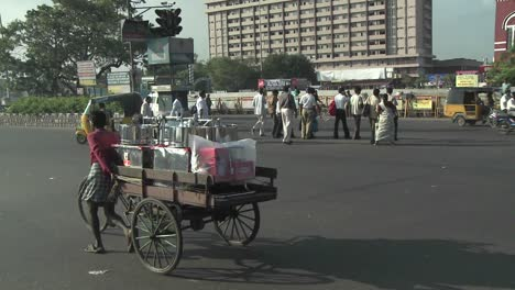 A-street-in-India-with-vehicles-and-people