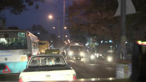 Hectic-traffic-at-night-in-a-city-in-India