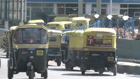 Hectic-traffic-in-a-city-in-India