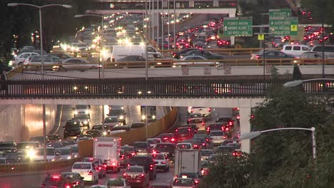 Verkehrszeitraffer-In-Einer-Straße-In-Mexiko-Stadt