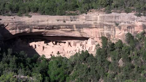 Zoom-into-ancient-American-Indian-dwellings-at-Mesa-Verde-Colorado