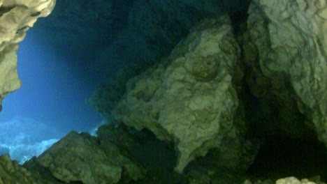 Underwater-POV-of-cave-diving