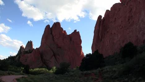 Sandstone-peaks-in-Canyonlands-National-Park
