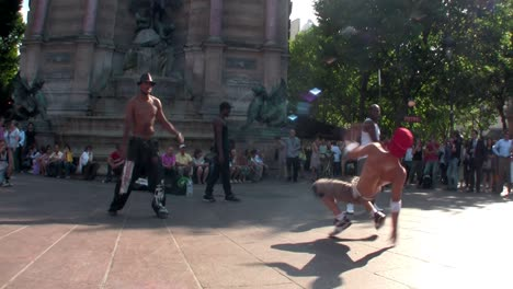 An-1-shot-of-Paris-street-dancers-and-performers