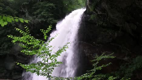 A-pretty-waterfall-in-North-Carolina