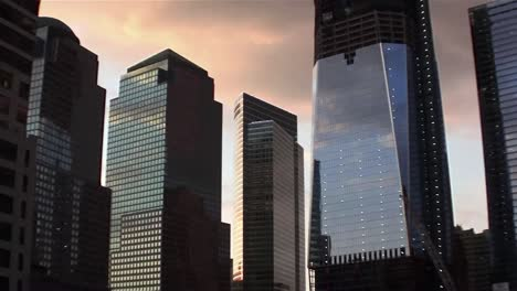 Zoom-into-One-World-Trade-Center-in-New-York-under-construction