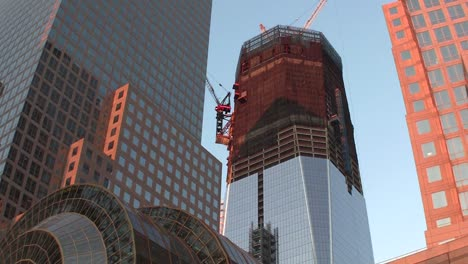 Tilt-up-to-One-World-Trade-Center-in-New-York-under-construction
