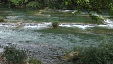 The-Macal-River-flows-through-Belize-1