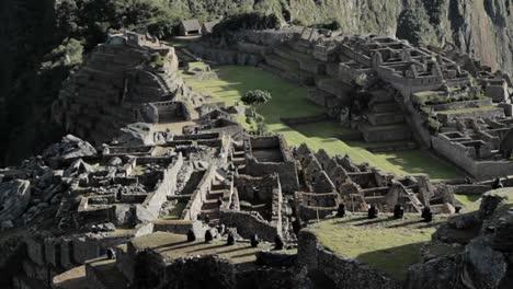 Wider-view-of-Machu-Picchu-Complex