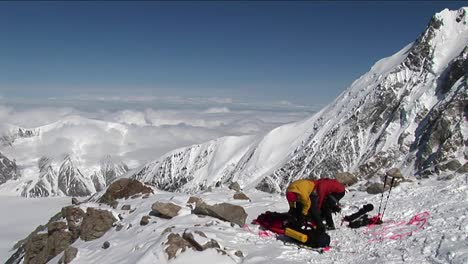 Climbers-prepping-for-climb-ahead