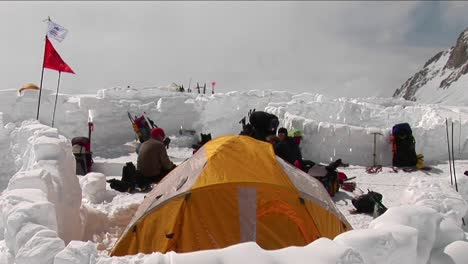 Camp-4-on-Denali-climbers-hanging-out