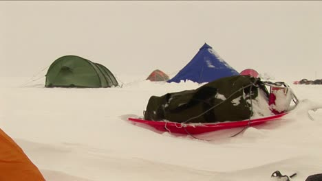 Camp-in-a-blowing-snow