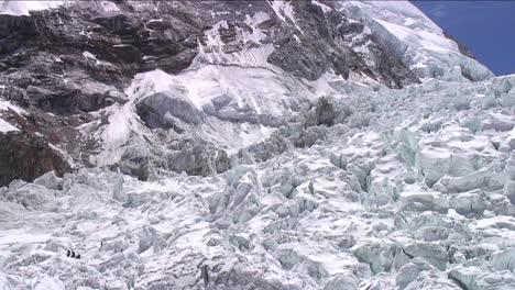 Tilt-down-from-peak-to-Khumbu-icefall