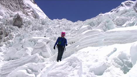 Pan-from-peak-to-Sherpa-coming-down-icefall