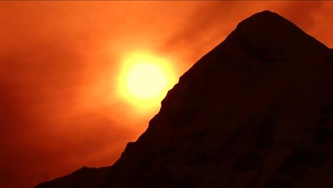 Setting-sun-silhouetting-Pumori