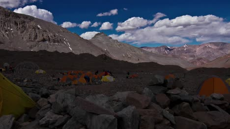 Aconcagua-Time-Lapse-Plaza-Argentina-Con-Carpas-2