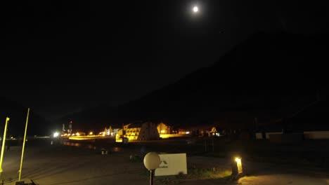 Aconcagua-Time-Lapse-Luna-Viajando-A-Través-De-La-Montaña