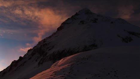 Sunrise-on-Everest-illuminates-mountain