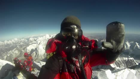 Celebratory-360-Degree-Showing-Summit-of-Everest