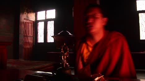 Quick-movements-monks-chanting