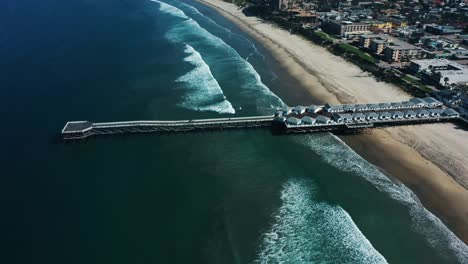 Aerial-of-empty-abandoned-beaches-of-southern-california-with-no-one-during-covid19-3