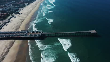 Aerial-of-empty-abandoned-beaches-of-southern-california-with-no-one-during-covid19-5