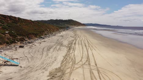 Aerial-of-empty-abandoned-beaches-of-southern-california-with-no-one-during-covid19-7
