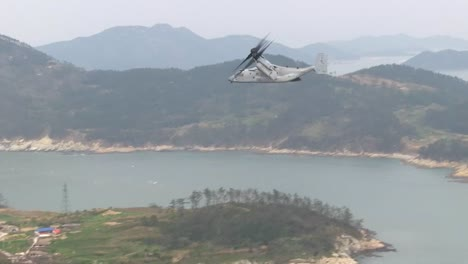 Marines-And-Army-Search-For-Survivors-In-The-2014-Korean-Ferry-Disaster