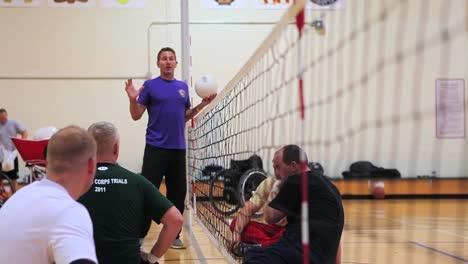Veteranos-Del-Ejército-Heridos-Y-Discapacitados-Juegan-Un-Partido-De-Voleibol