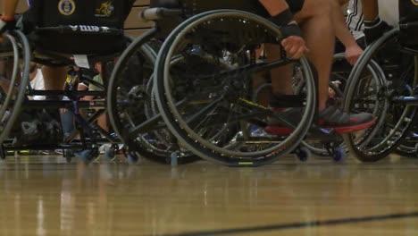 Veteranos-Del-Ejército-Heridos-Y-Discapacitados-Compiten-En-Baloncesto-En-Silla-De-Ruedas-3