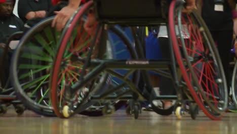 Veteranos-Del-Ejército-Heridos-Y-Discapacitados-Compiten-En-Baloncesto-En-Silla-De-Ruedas-5