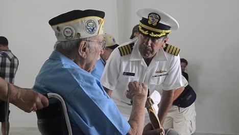 Los-Sobrevivientes-De-Pearl-Harbor-Visitan-El-Pearl-Harbor-Memorial-En-2012-En-Hawaii-2