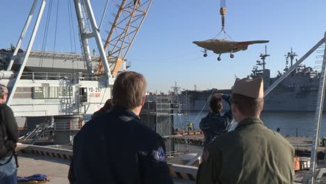 A-Secret-Us-Spy-Plane-The-X47B-Unmanned-Combat-Air-System-Is-Loaded-Onto-An-Aircraft-Carrier-2
