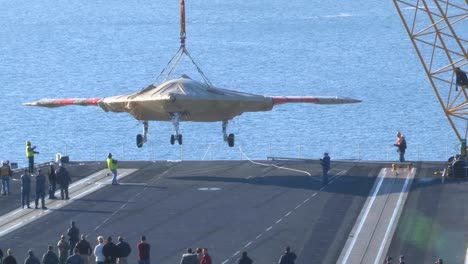 A-Secret-Us-Spy-Plane-The-X47B-Unmanned-Combat-Air-System-Is-Delivered-To-An-Aircraft-Carrier-2