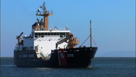 Coast-Guard-Crews-Move-8500-Pounds-Of-Marijuana-Seized-From-A-Panga-Boat-Raid