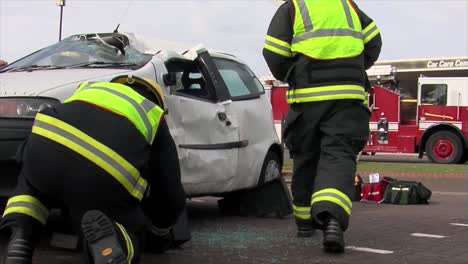 European-Firefighters-Practice-Responding-To-A-Car-Wreck-Rollover-Accident-3