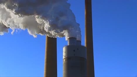 A-Coal-Fired-Power-Plant-Belches-Smoke-Into-The-Air-1
