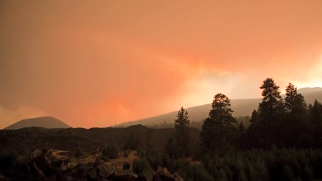 Excellent-Time-Lapse-Shot-Of-A-Wildfire-Burning