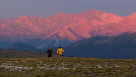 Joggers-Jogging-Through-Rocky-Mountain-National-Park-In-Early-Morning-1