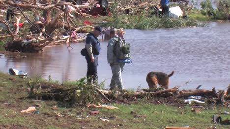 Us-Army-Personnel-Help-Cleanup-After-A-Devastating-Tornado-In-Piedmont-Oklahoma-In-2011-3