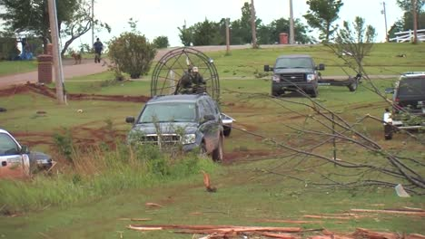 Us-Army-Personnel-Help-Cleanup-After-A-Devastating-Tornado-In-Piedmont-Oklahoma-In-2011-6