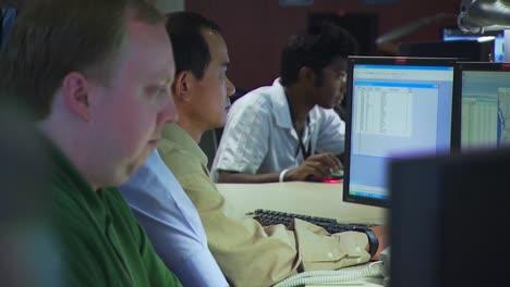 Los-Investigadores-Realizan-Experimentos-En-El-Laboratorio-Nacional-Del-Noroeste-Del-Pacífico-En-Un-Entorno-De-Laboratorio-Genérico-8