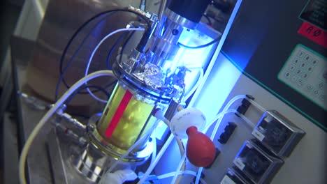 Los-Investigadores-Realizan-Experimentos-En-El-Laboratorio-Nacional-Del-Noroeste-Del-Pacífico-En-Un-Entorno-De-Laboratorio-Genérico-11