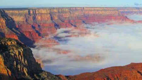Time-Lapse-Of-Clouds-Moving-Through-The-Grand-Canyon-1