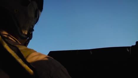Marines-Fly-The-Mv22-Osprey-In-Afghanistan-2