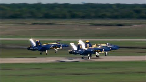 Los-ángeles-Azules-De-Navys-Realizan-Acrobacias-Y-Formaciones-1