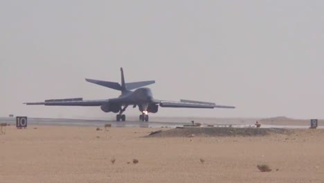 The-Army-B1-Bomber-Lands-Takis-And-Takes-Off